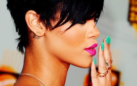 Rihanna Neon Combination!