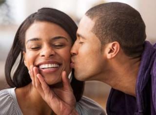 woman-getting-kiss-cheek_400x295_42